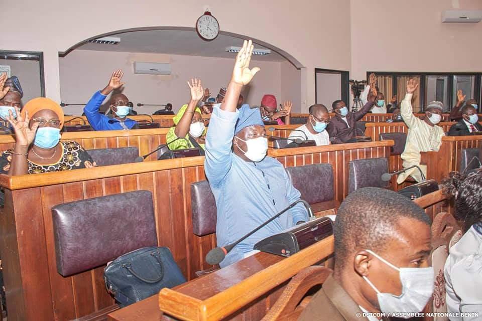 Bénin : Rester ou sortir de la zone CFA ? La question sur la table des députés