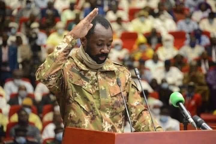 Mali: Le nouvel homme fort a prêté serment